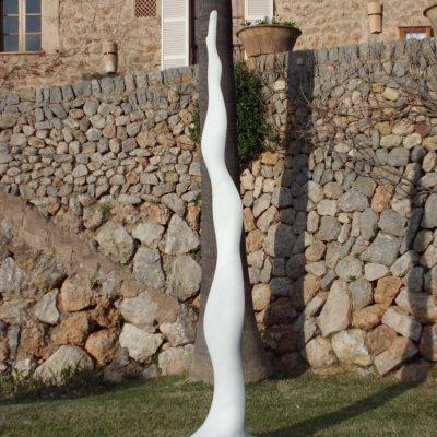 Infinita, 2011. Marbre blanc de Carrara. 320x50x60 cm.