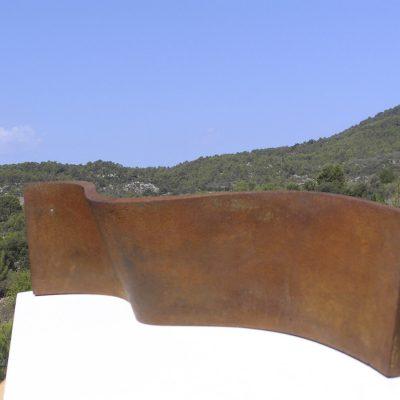 Ondulación, 2011. Hierro fundido / Iron cast. 21 x 88 x 15 cm.
